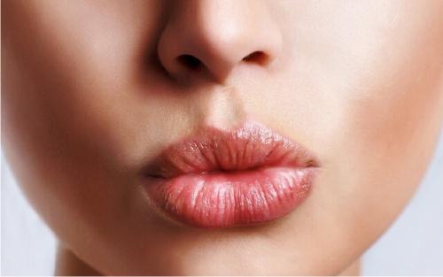 Как увеличить губы без косметолога