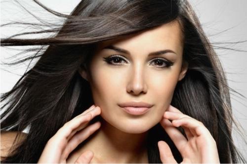 Косметологи рассказали, как отрастить длинные волосы