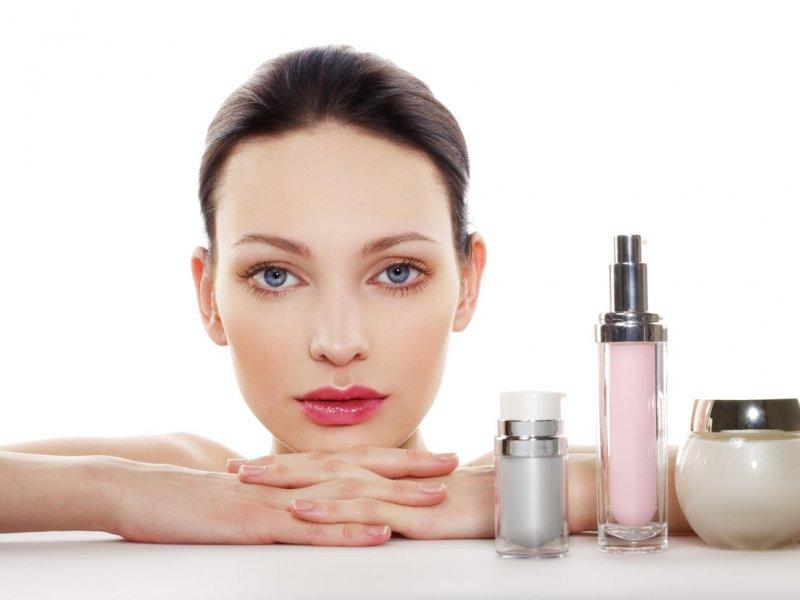 Как ухаживать за лицом после 40 лет: советы косметологов