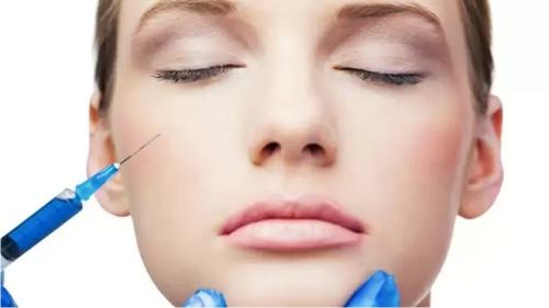 Косметологи рассказали, как вернуть молодость кожи