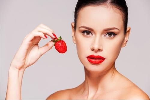 Косметологи рассказали, как отбелить кожу