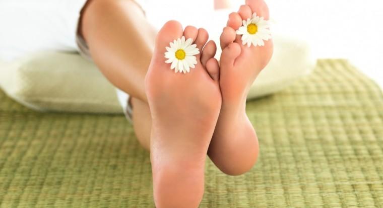Сборы для ванночек против трещин на стопах ног: 4 рецепта