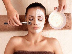 Медики советуют «не мучить» кожу процедурами перед отпуском