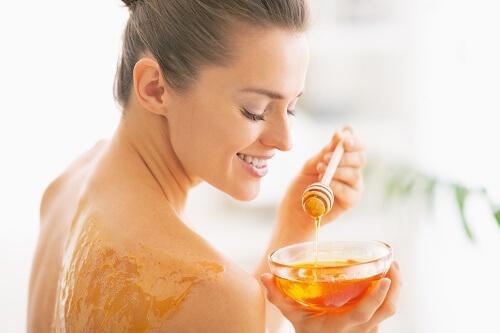 Медовое обертывание — полезные свойства процедуры