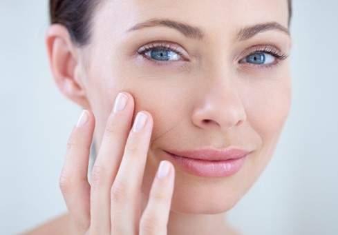 Дерматологи назвали продукты, которые портят кожу