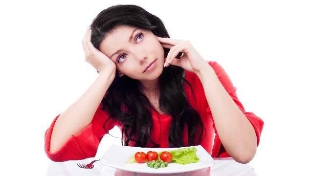 Врачи назвали самые вредные продукты для кожи лица