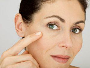 Как убрать морщины на верхней губе