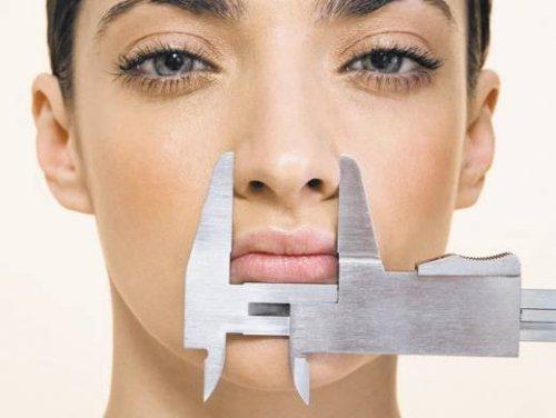 Пластика носа может изменить голос