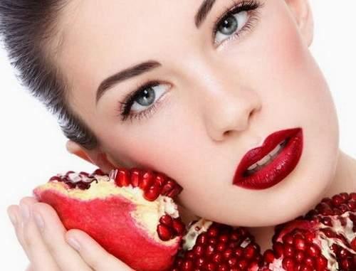 Косметологи подсказали, как омолодить кожу в домашних условиях