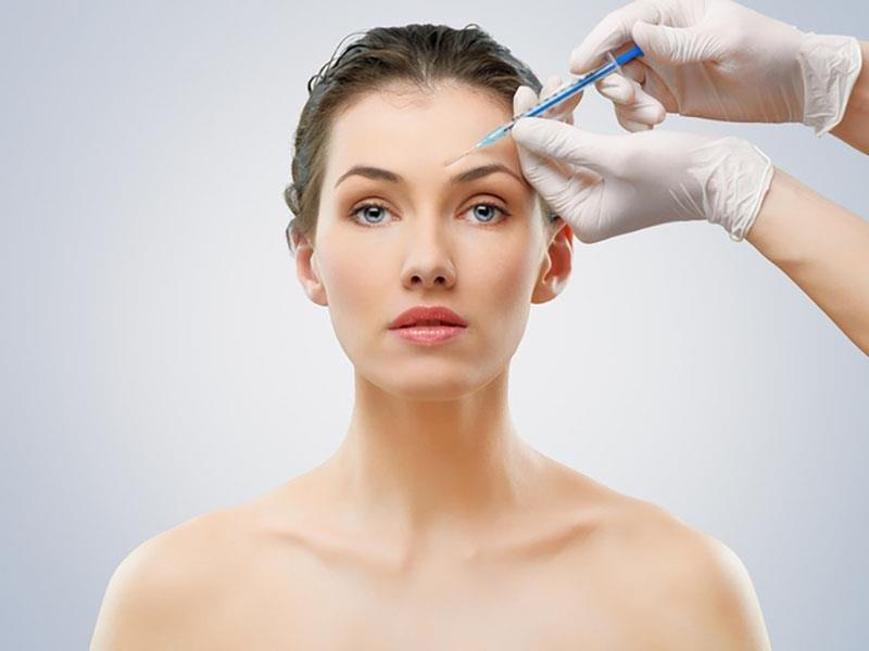 Уколы красоты: стоит ли делать инъекции в молодом возрасте?