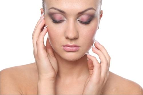 Хирурги рассказали о методах подтяжки шеи