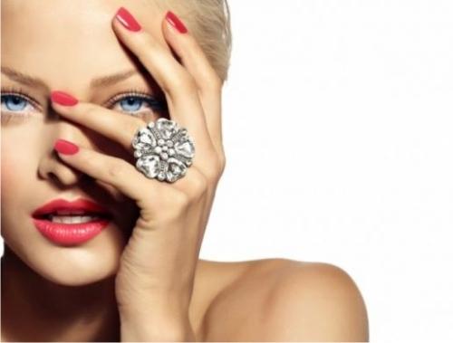 Косметологи назвали 5 секретов женской привлекательности