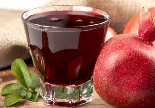 Гранатовый сок эффективно помогает от морщин