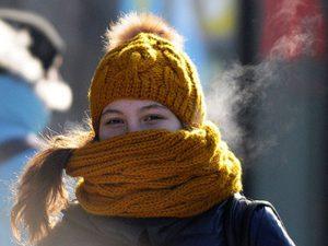 Зимние шарфы способствуют появлению прыщей