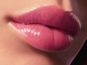 Правила ухода за губами после увеличения