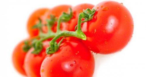 Как стать неотразимой с помощью обычных помидоров