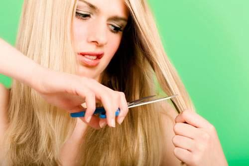 Косметологи подсказали, как ухаживать за секущимися волосами