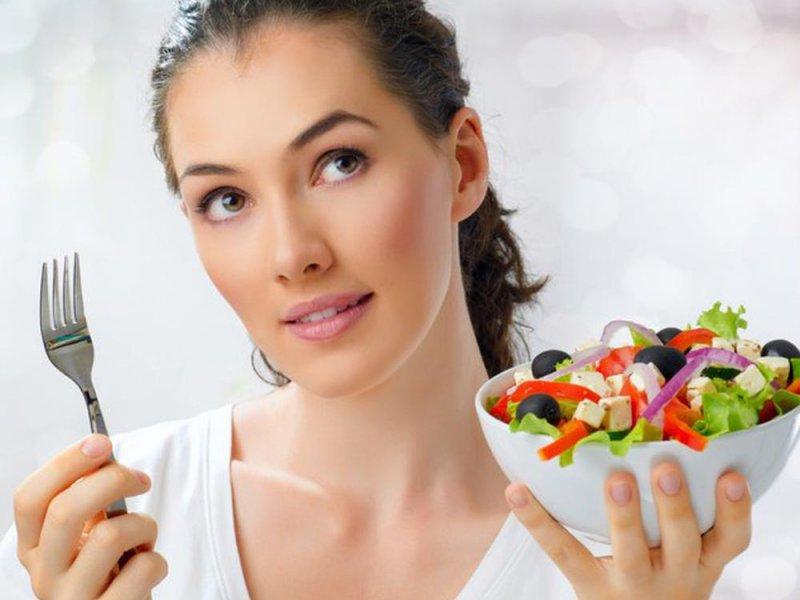 Правильное питание и здоровый образ жизни помогают избавится от морщин