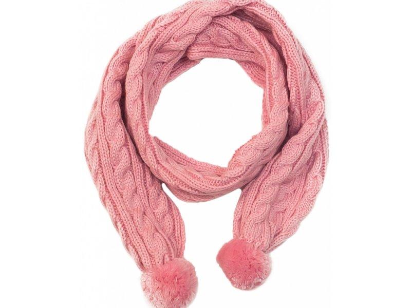 Ношение зимних шарфов способствует появлению прыщей