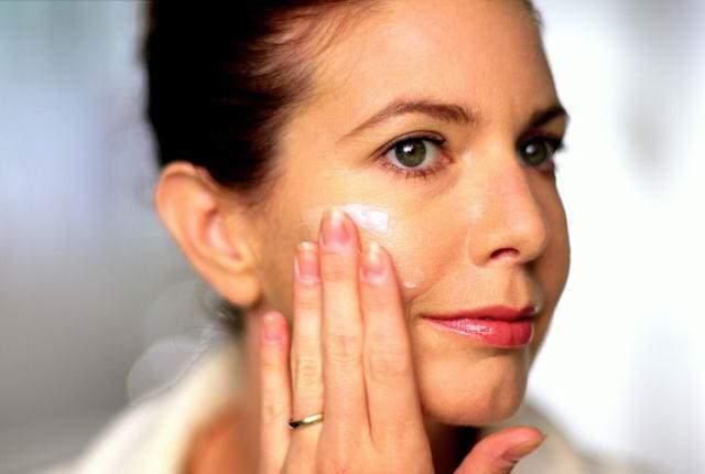Косметологи подсказали, как сохранить молодость кожи после 40 лет