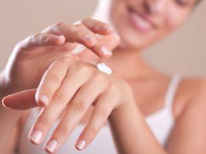 Увлажнение кожи повышает защиту от болезней старения