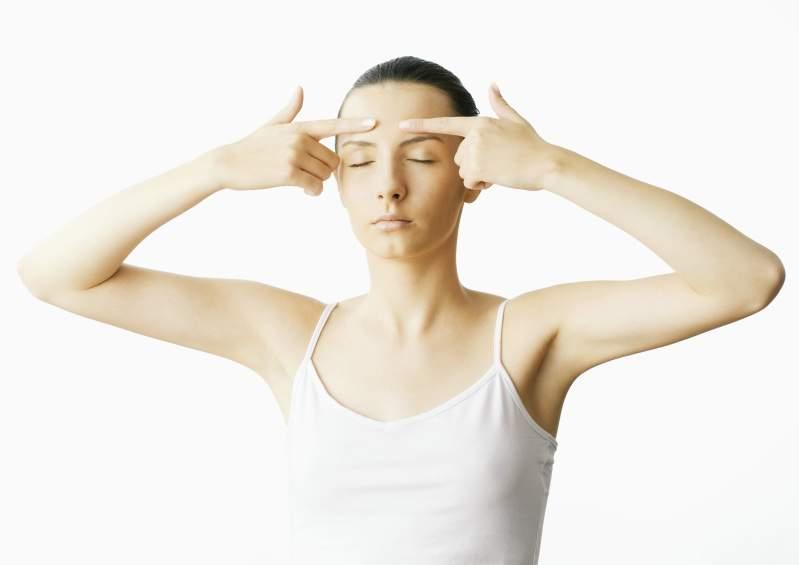 Упражнения для лица, которые помогут избавиться от морщин