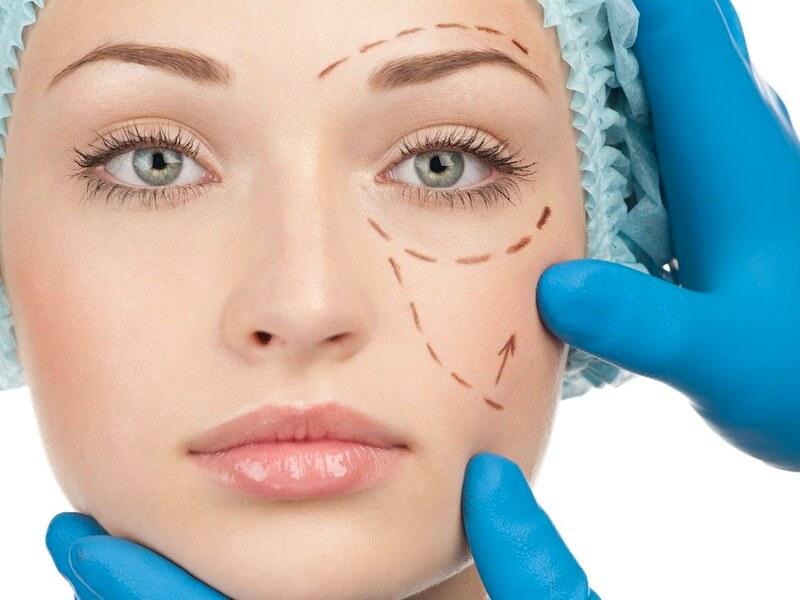 Почему не стоит делать пластическую операцию на лице?