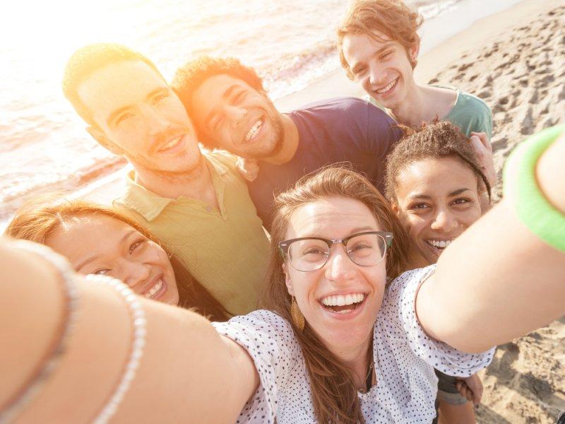Селфи может повредить коже не меньше, чем курение и пребывание на солнце