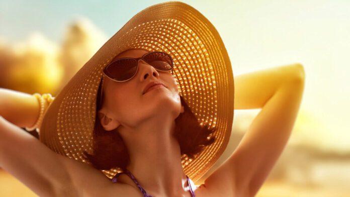 Дерматолог рассказал, как выбрать правильную и эффективную защиту от солнца