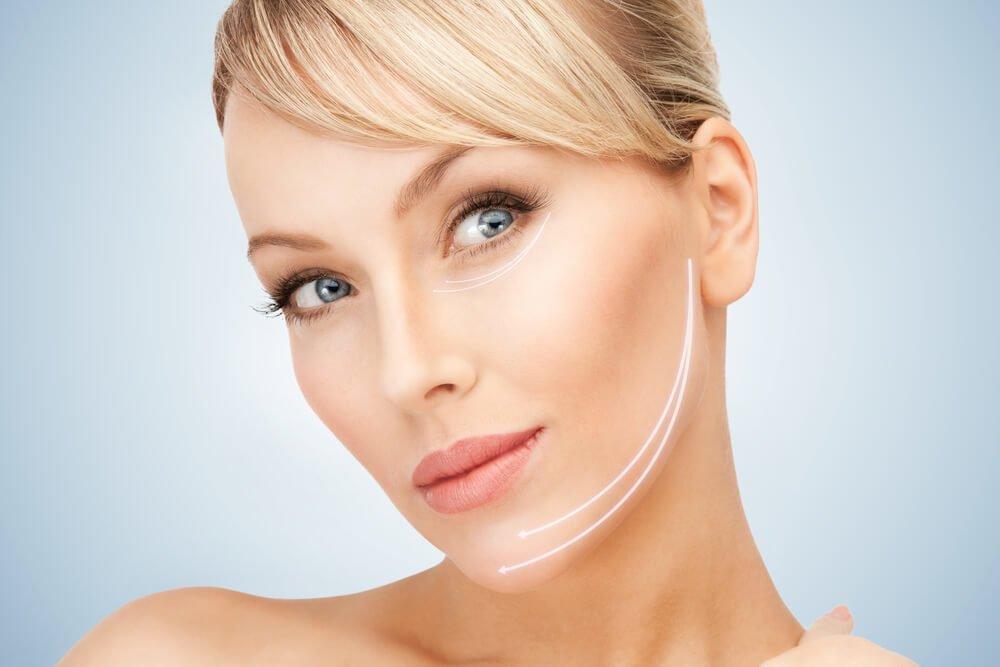 Маска из желатина и глицерина для увядающей и обвисшей кожи лица