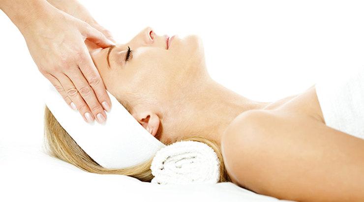 8 правил массажа для лица, которые предотвратят морщины