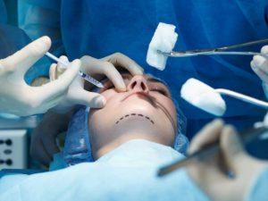Десятки московских клиник пластической хирургии оказались закрыты из-за нарушений