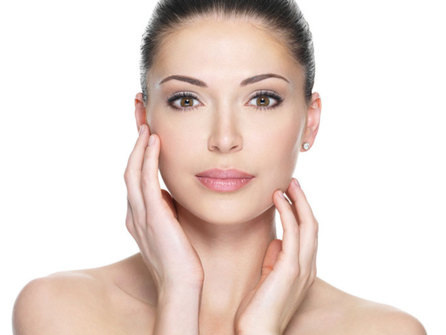 Помолодеть на 10 лет: польза сывороток для зрелой кожи