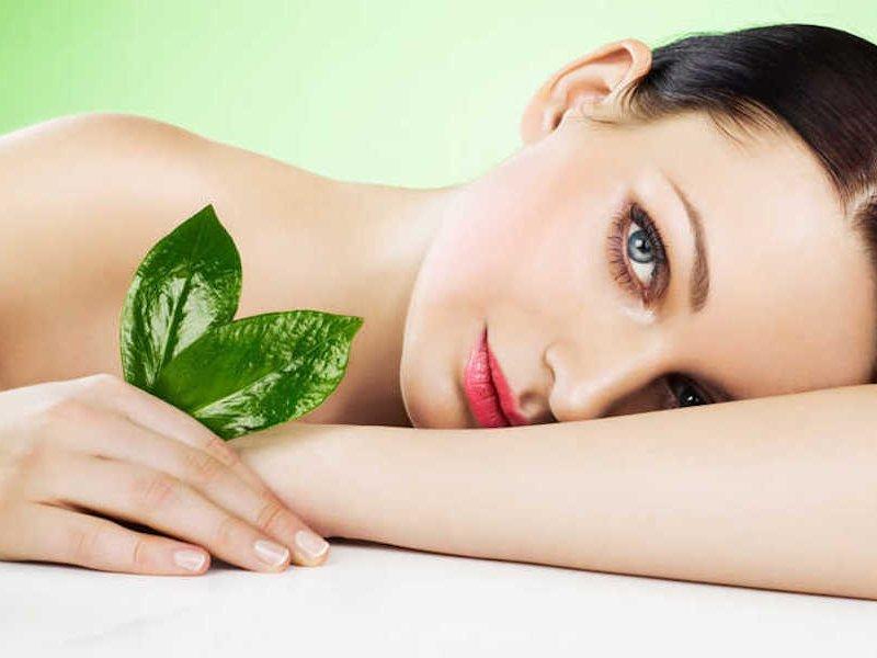 Увлажнение и красота: лучшие напитки для кожи