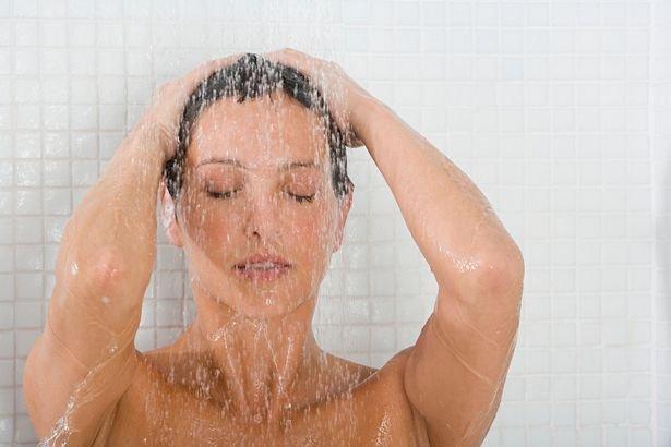 Шведские дерматологи: утро — не лучшее время для принятие душа