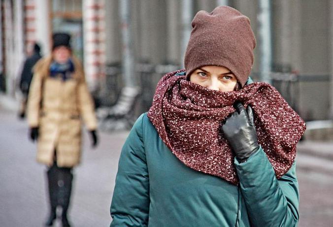 Косметологи назвали главные правила и ошибки по уходу за кожей зимой
