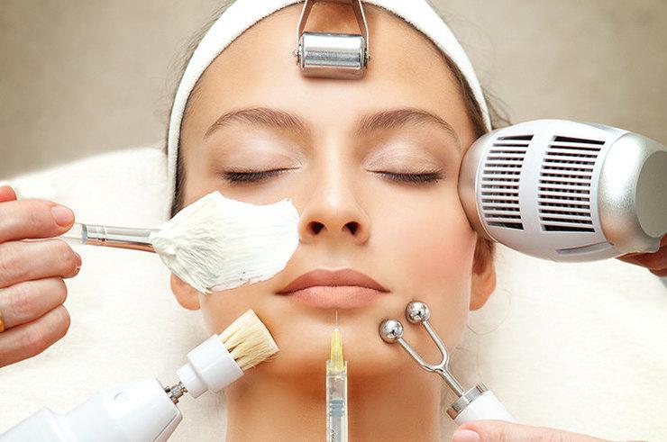В Новый год с «новым» лицом: самые эффективные процедуры для омоложения кожи