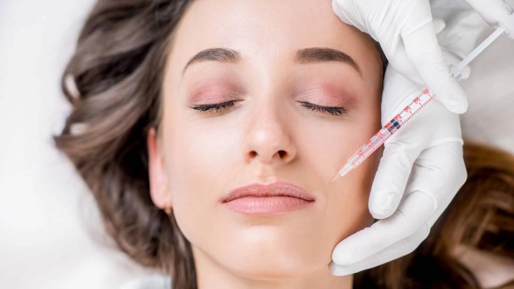 Побочный эффект: что может случиться с лицом после уколов красоты