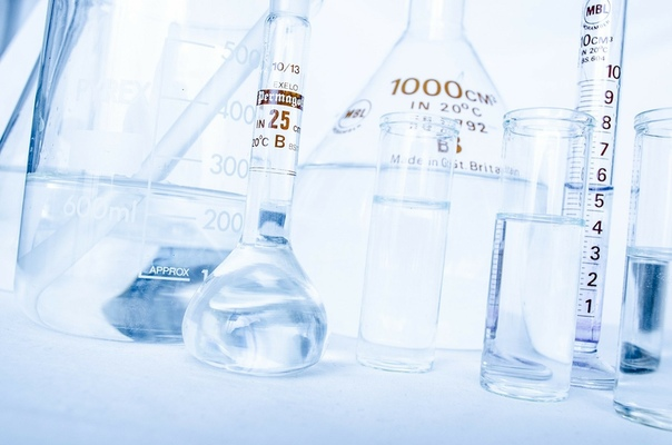 В чем разница между гиалуроновой кислотой и гиалуронатом натрия?
