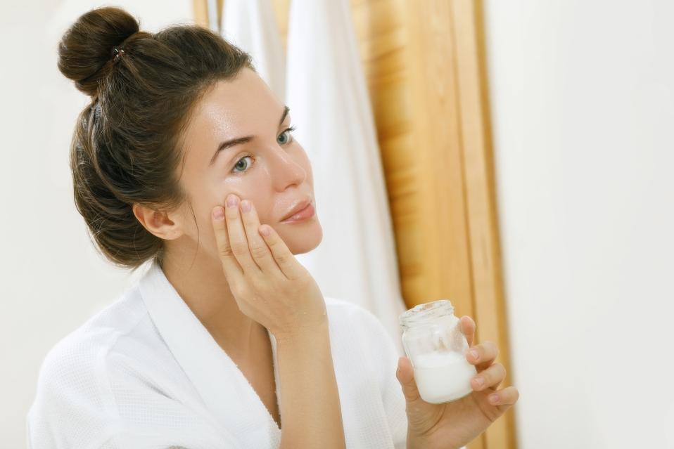 Чем полезно кокосовое масло для кожи
