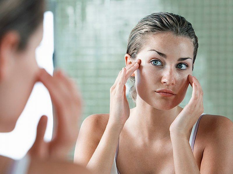 Продукты, которые улучшают и ухудшают состояние кожи