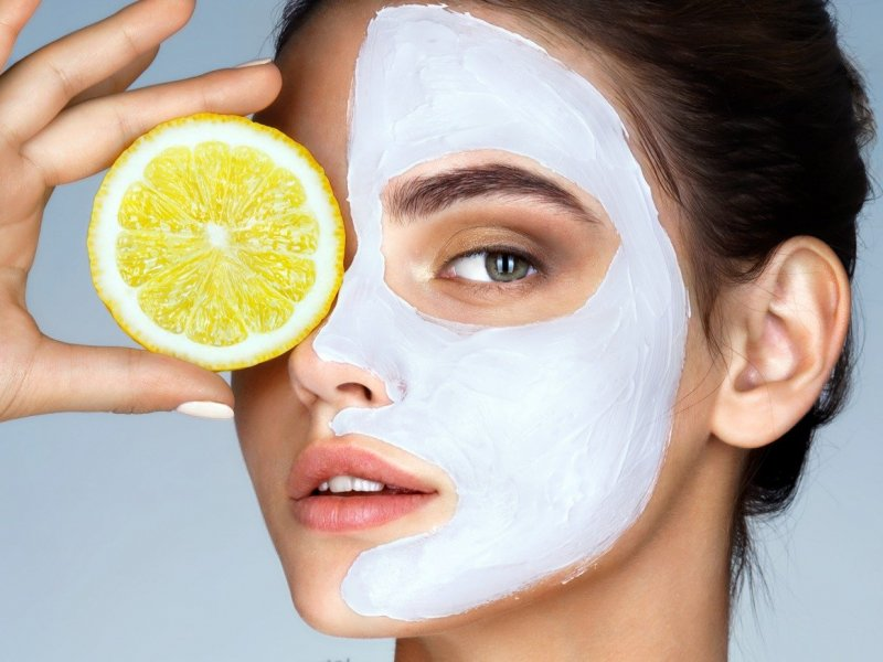Витамин С внутрь и снаружи: лучший витамин для молодости и сияния кожи