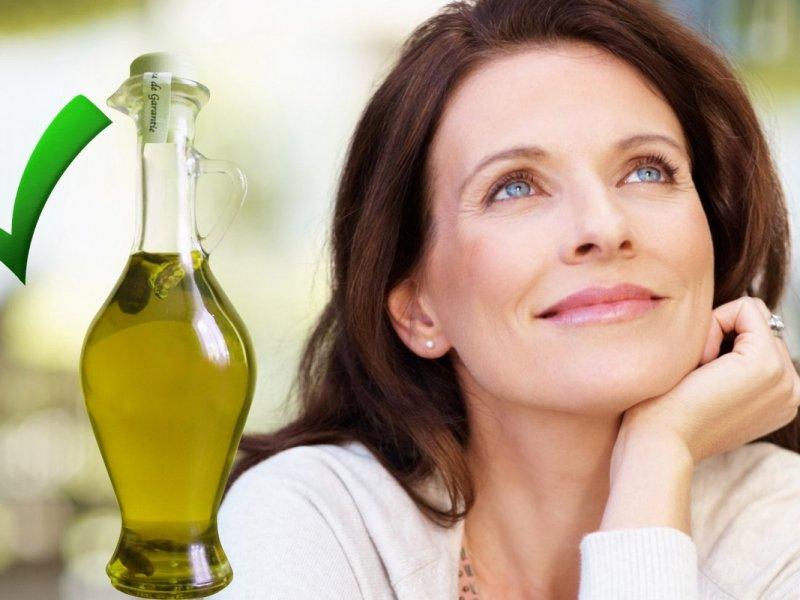 Масло красоты: дерматолог рассказывает, кому полезно наносить оливковое масло на кожу