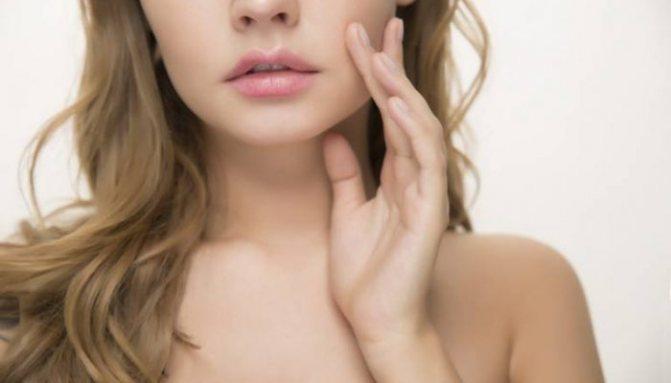Косметологи перечислили основные правила ухода за возрастной кожей
