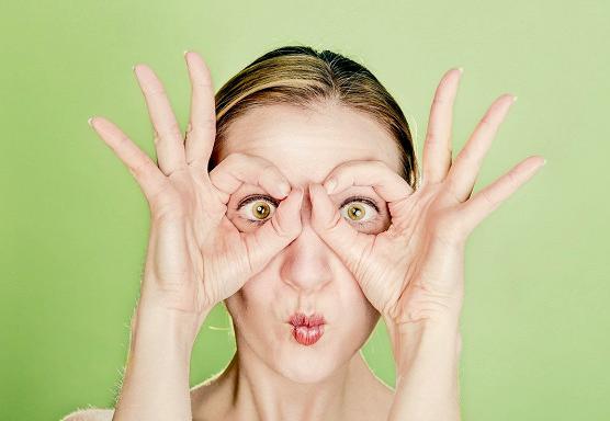 Больше не подходит: перечисляем косметику, вредную для женщин 40+