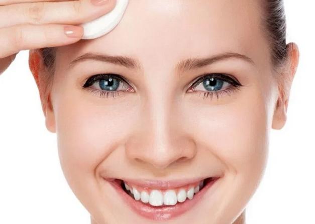 Косметолог рассказала, как ухаживать за кожей весной