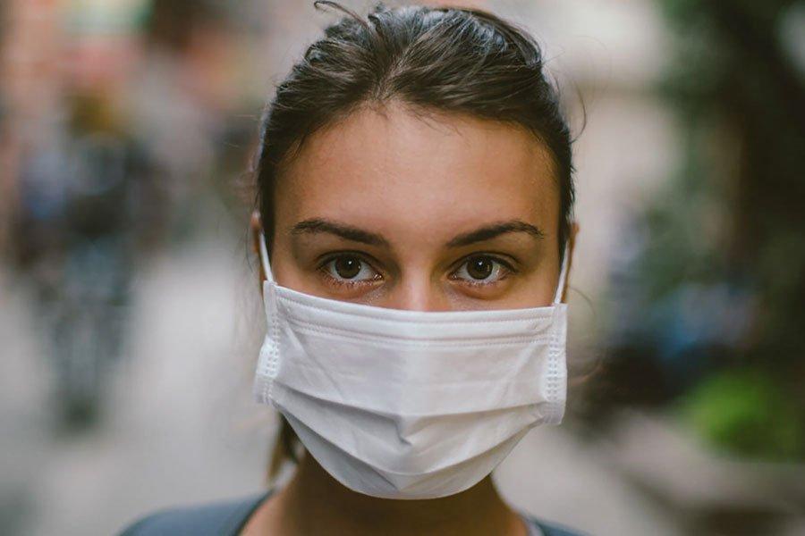 Ношение маски вызывает проблемы с кожей лица: что делать?