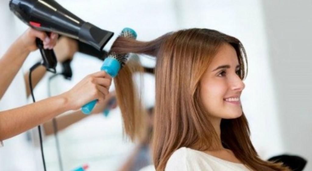 Названы фрукты, которые ускоряют рост волос