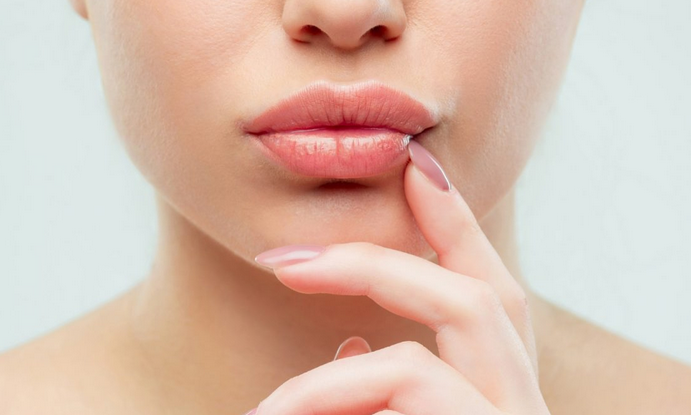 Как увеличить объем губ без уколов: упражнения, которые рекомендуют специалисты