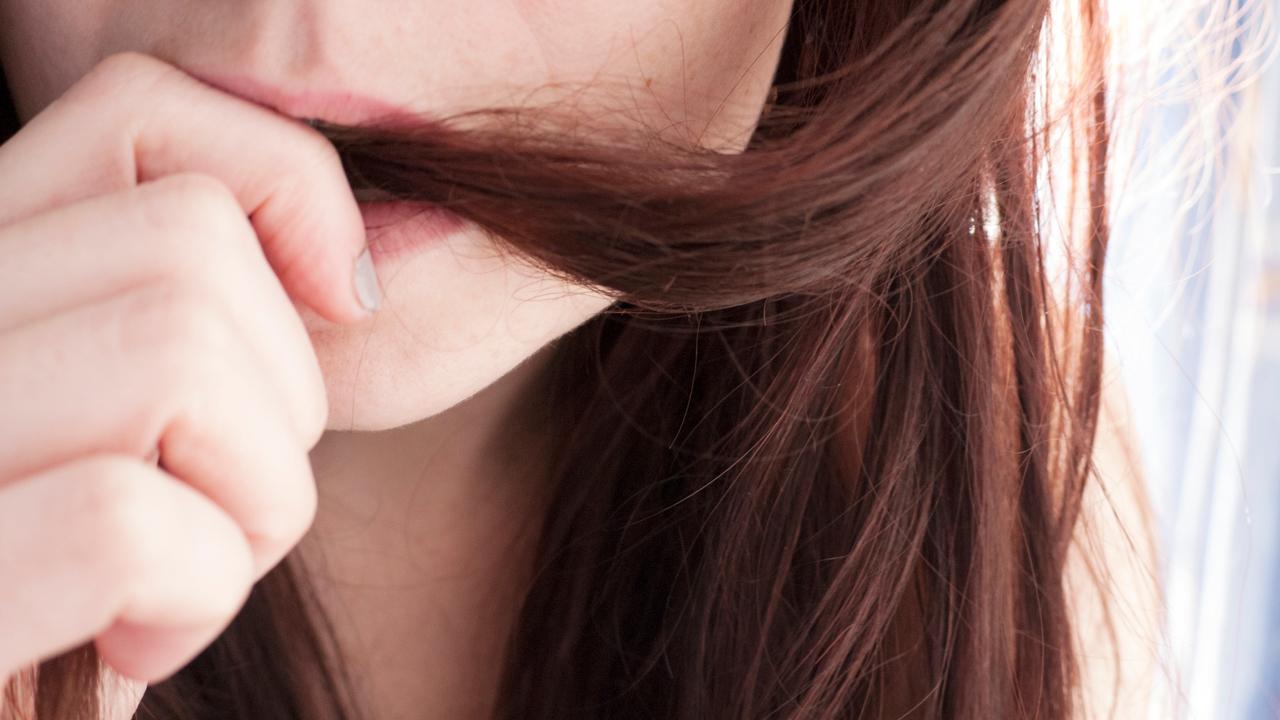 7 ежедневных, но вредных привычек для волос